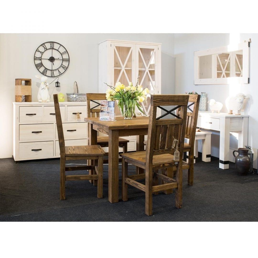 sosnowy stół z krzesłami do jadalni